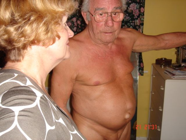 Readers Wives Online - The cunt and the nudist