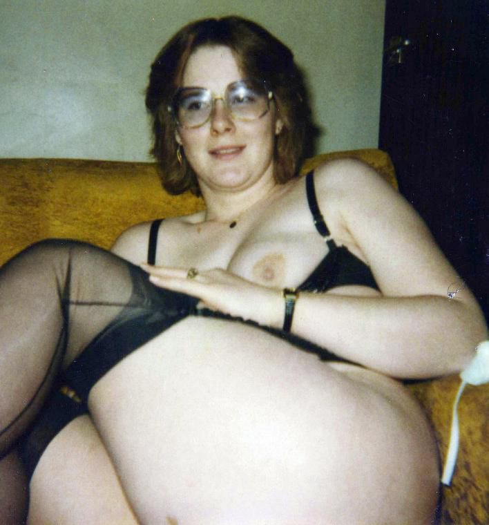 readers-wives-nude-girl-and